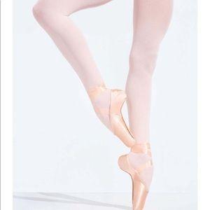 New Capezio Glisse Pointe Ballet Slipper